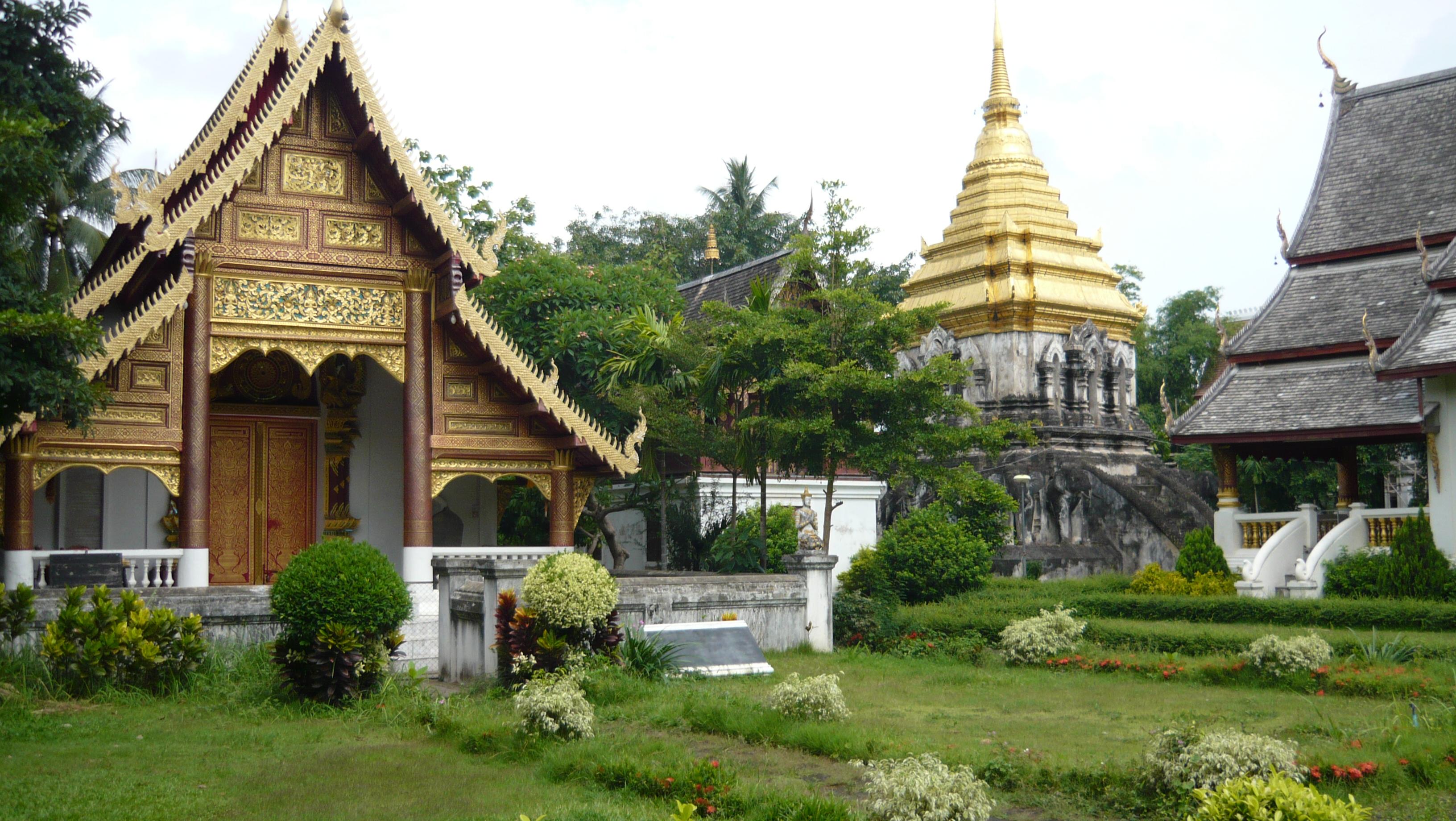 File:Chiang Mai, Wat Chiang Man.jpg
