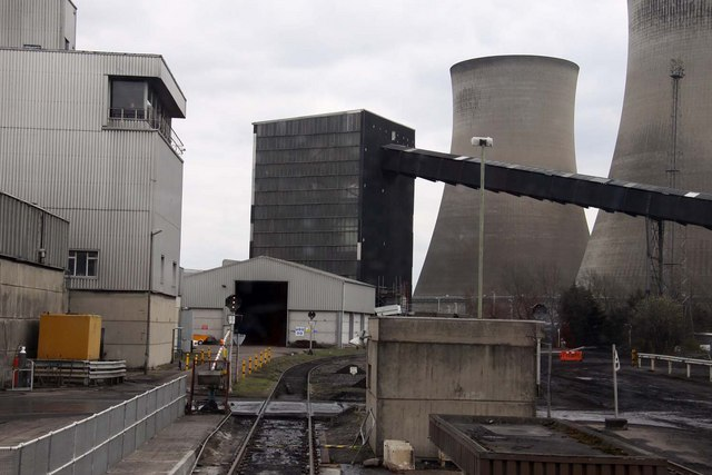 Control tower and coal conveyor at Didcot Power Station - geograph.org.uk - 1233992