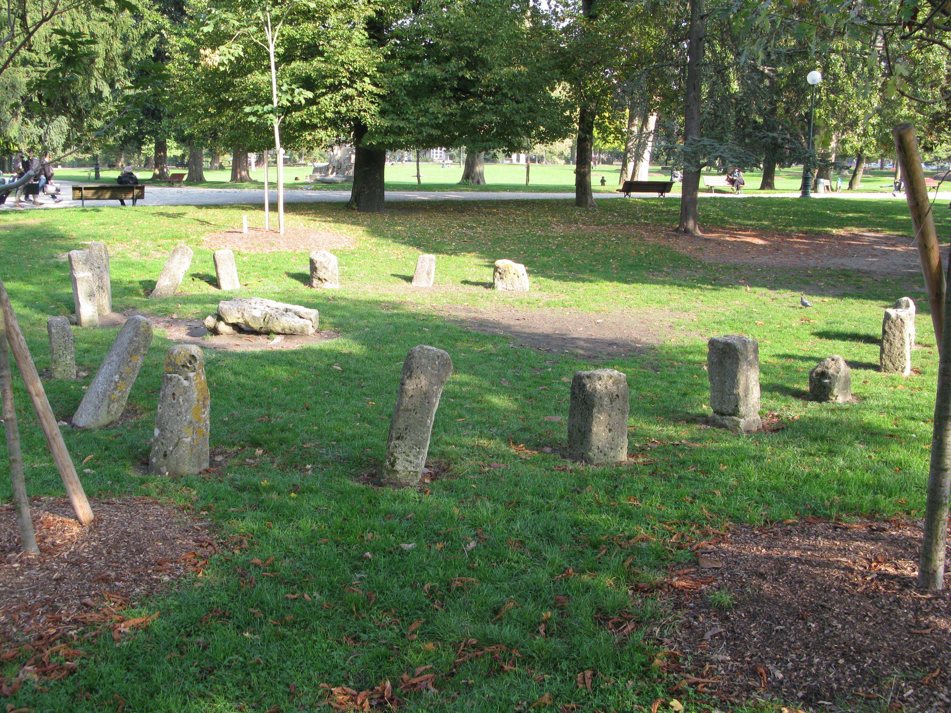 File cromlech jardin public de wikimedia for Jardin public bordeaux
