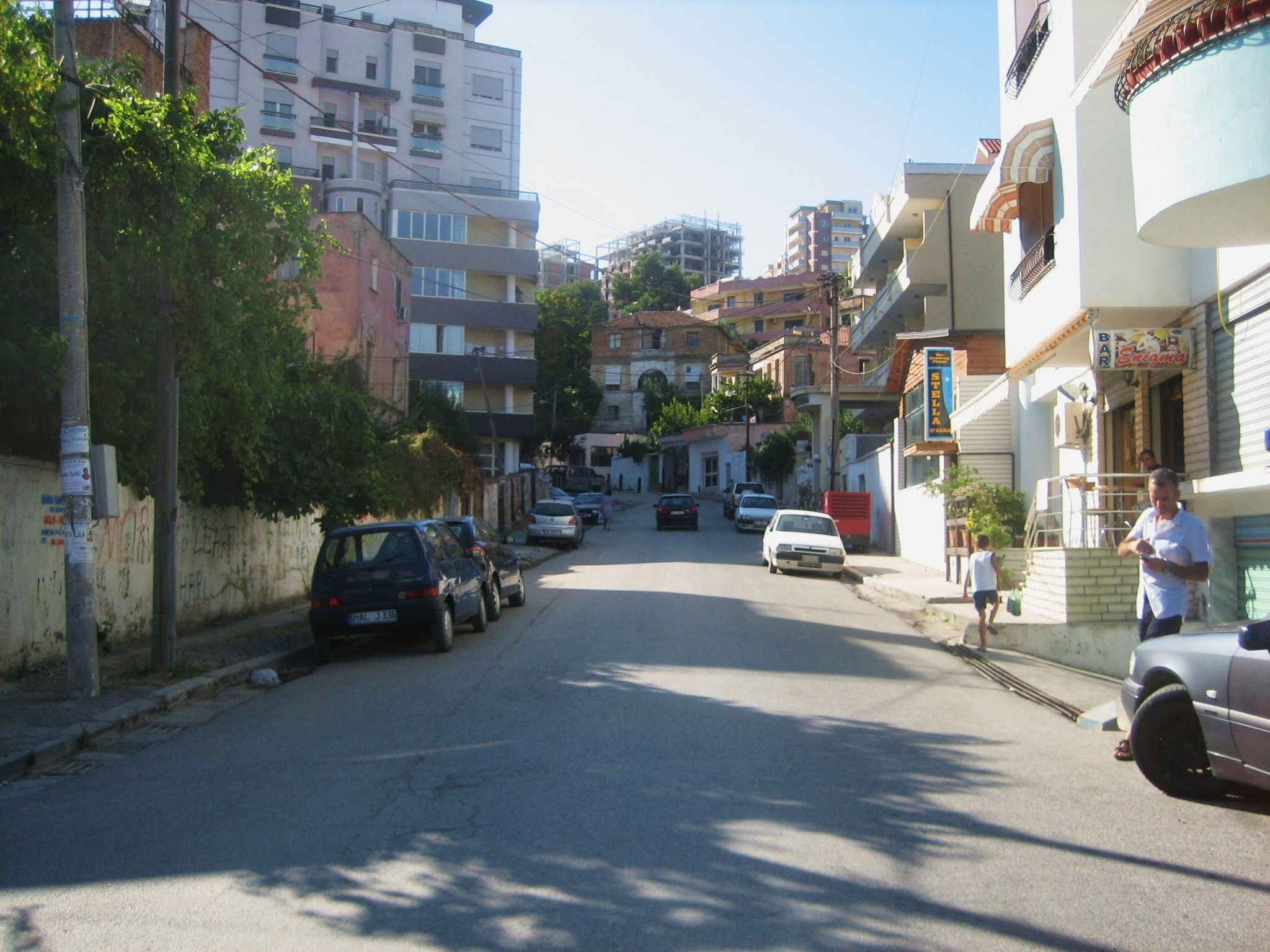 file durrës street view jpg wikimedia commons