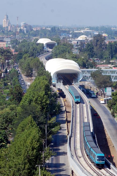 Viaducto Metro a Maipú