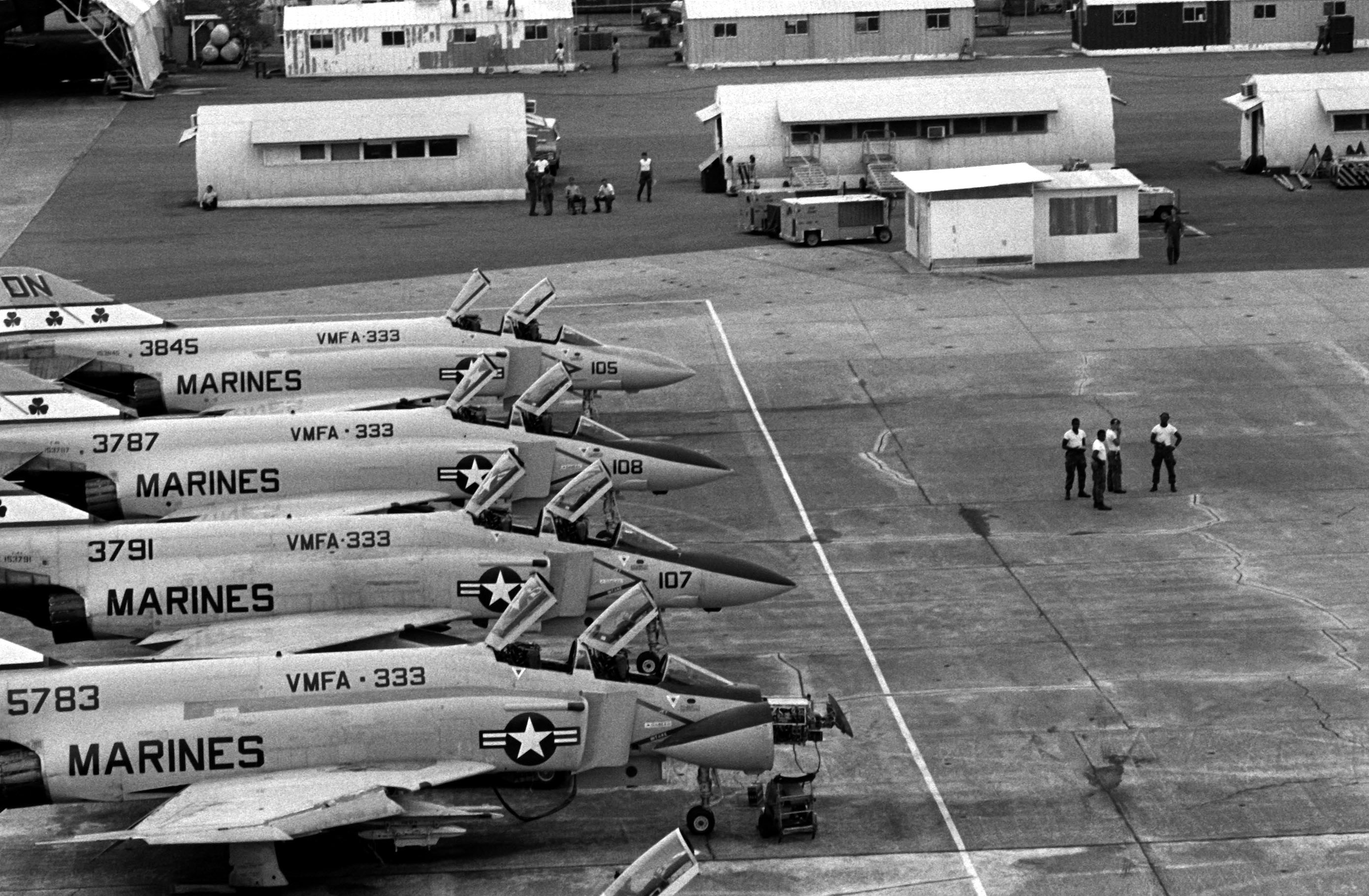 File:F-4Js VMFA-333 Cubi Point.jpg - Wikimedia Commons