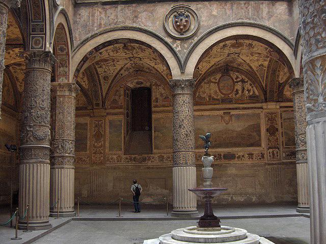 File:Firenze.PalVecchio.courtyard.JPG
