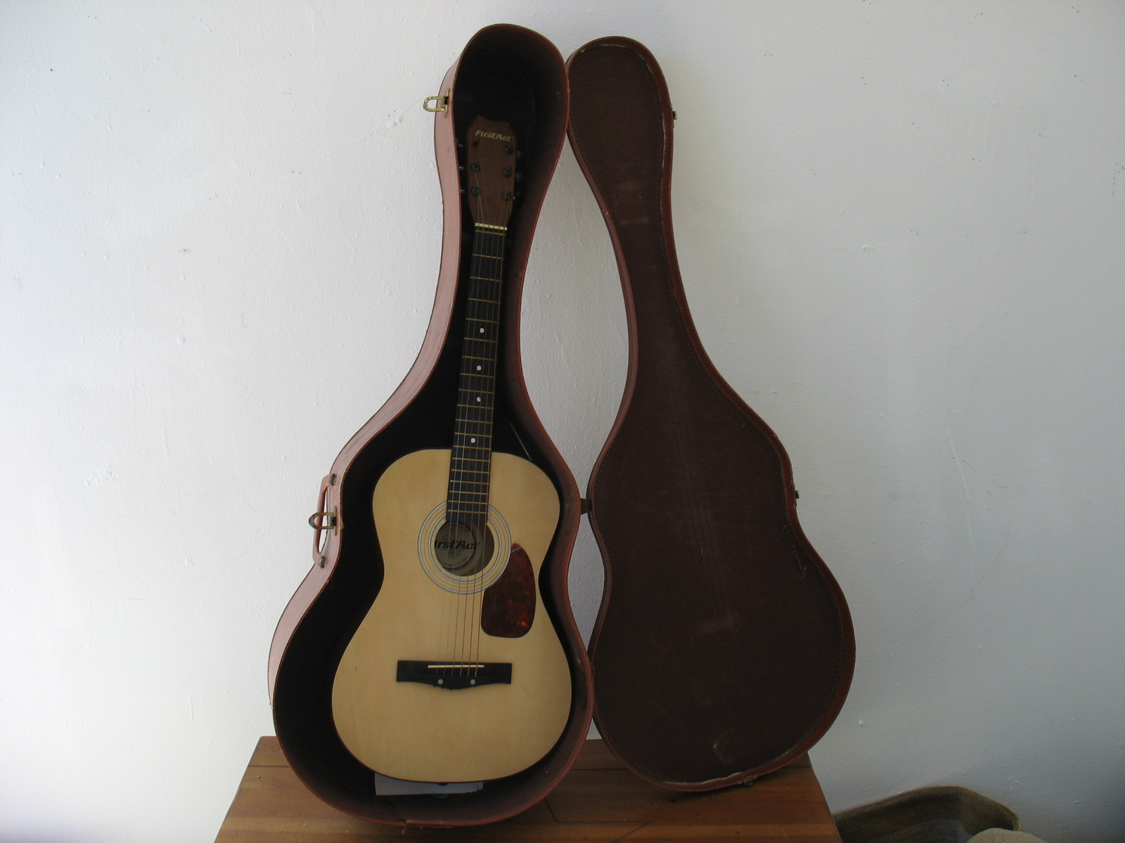 File First Act Parlor Sized Acoustic Guitar Jpg Wikimedia Commons