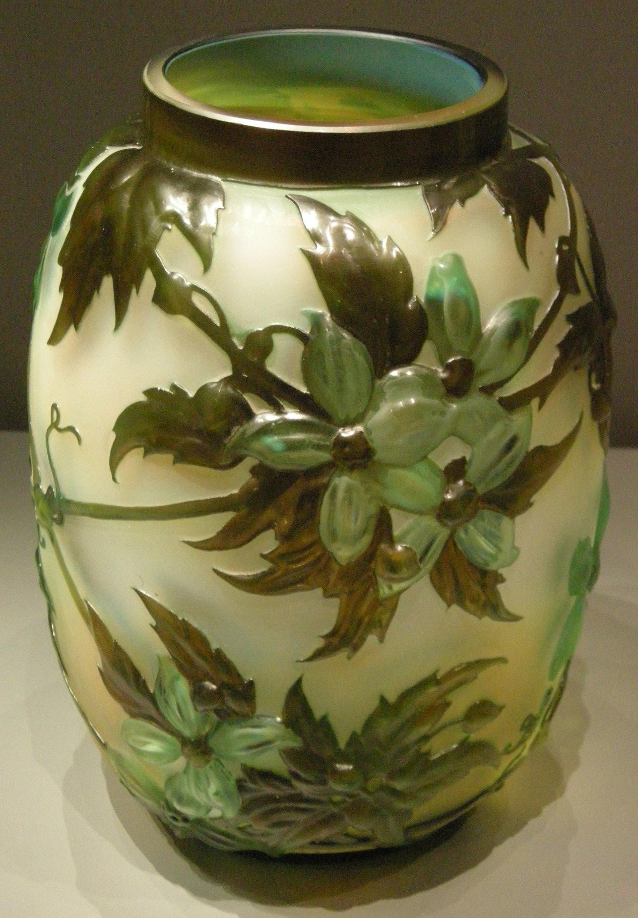File gall nancy vaso clematis 1890 1900 jpg for Vaso galle