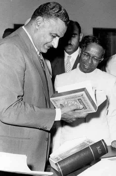 Gamal Abdel Nasser on a tour of India, 1960 (04)