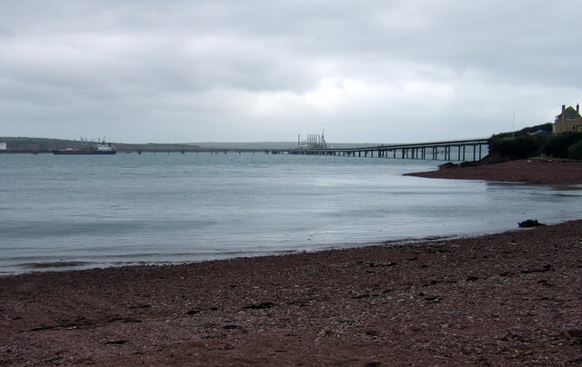 Gelliswick Bay oil pipeline and jetty - geograph.org.uk - 369636