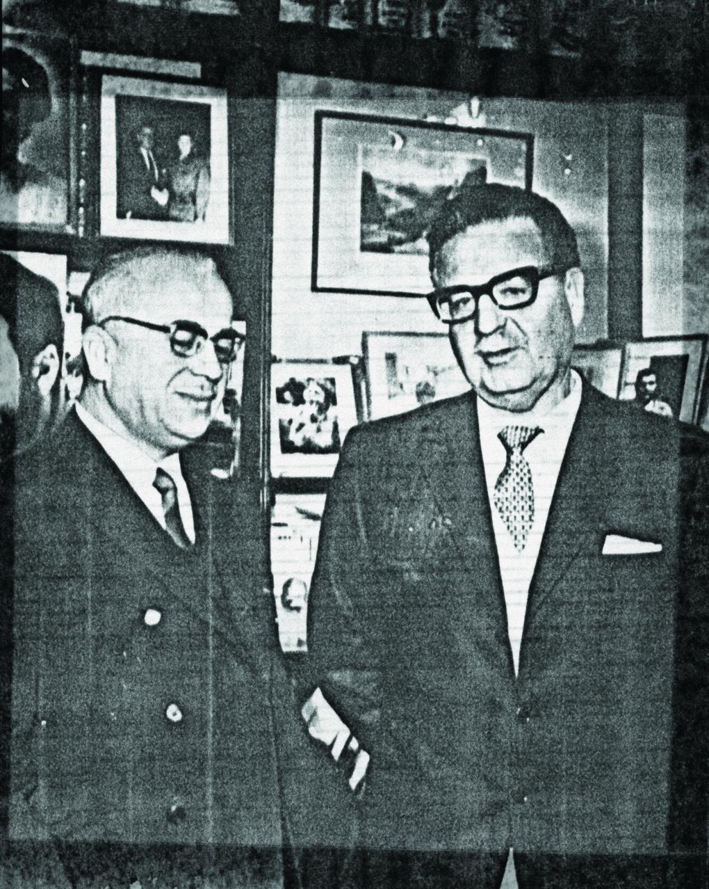 Gonzalo Rojas y el presidente Salvador Allende