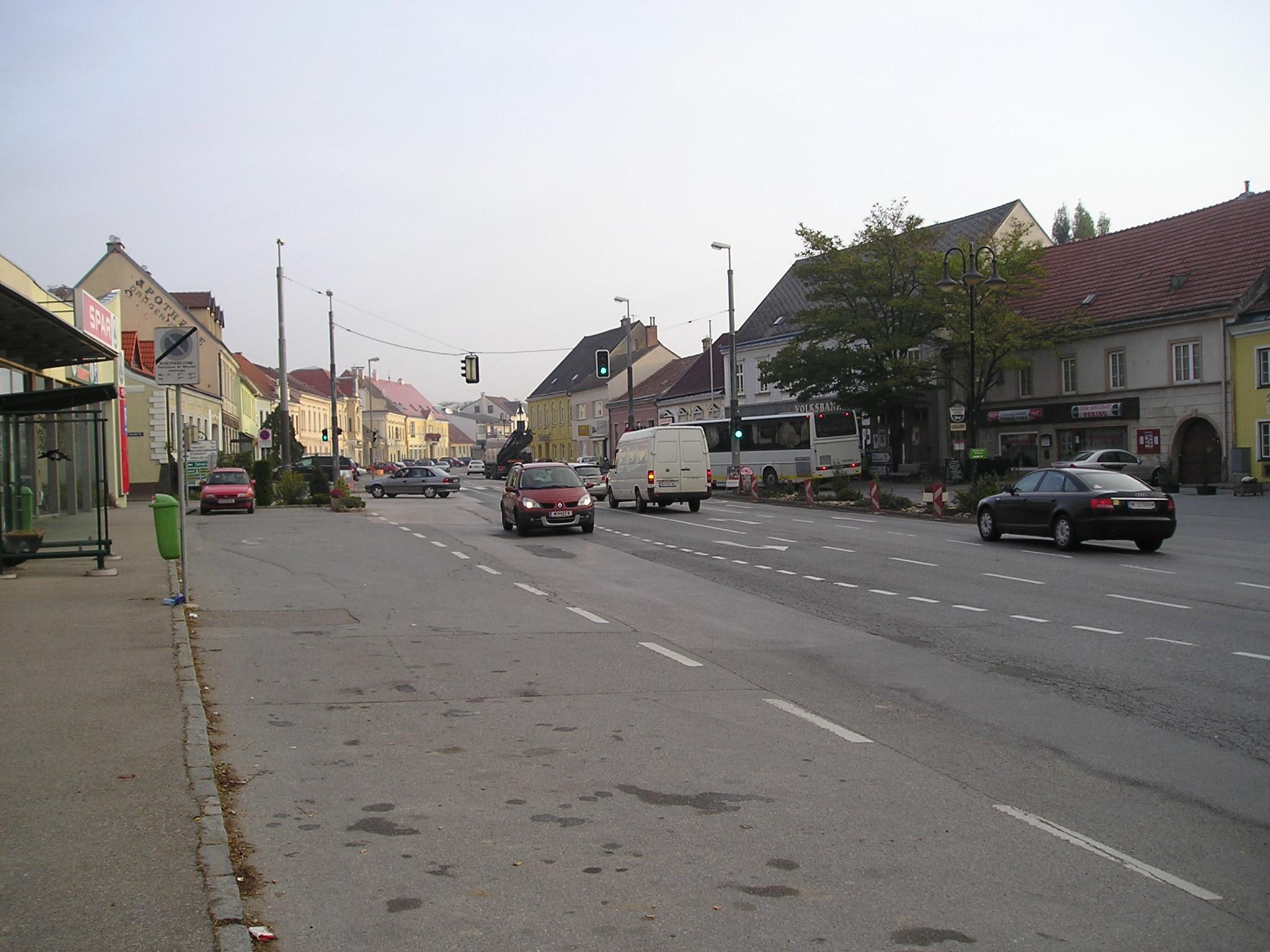 Datei:Brgerhaus 9473 in A-2191 volunteeralert.com Wikipedia