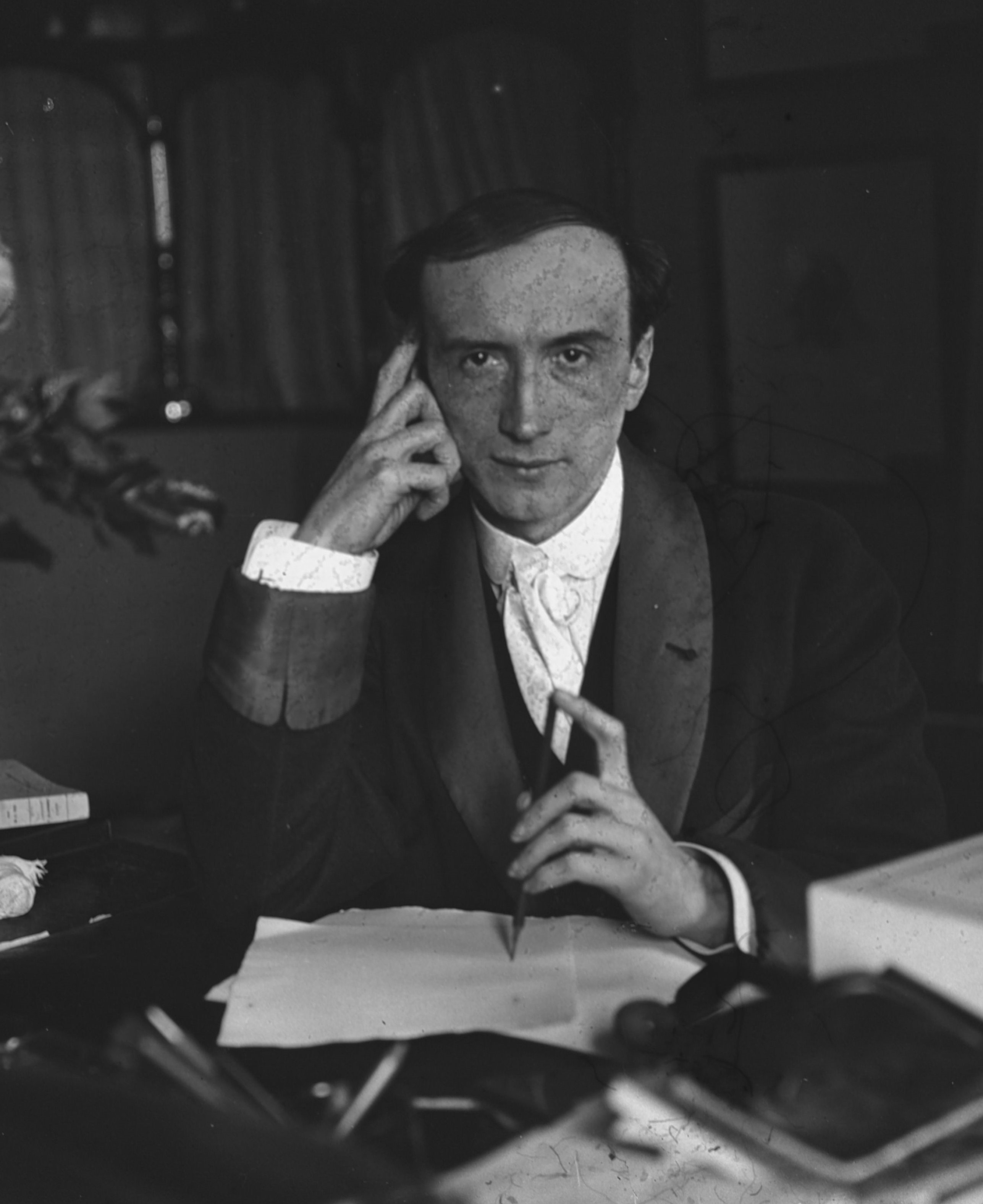 Henry Bataille 1911.jpg