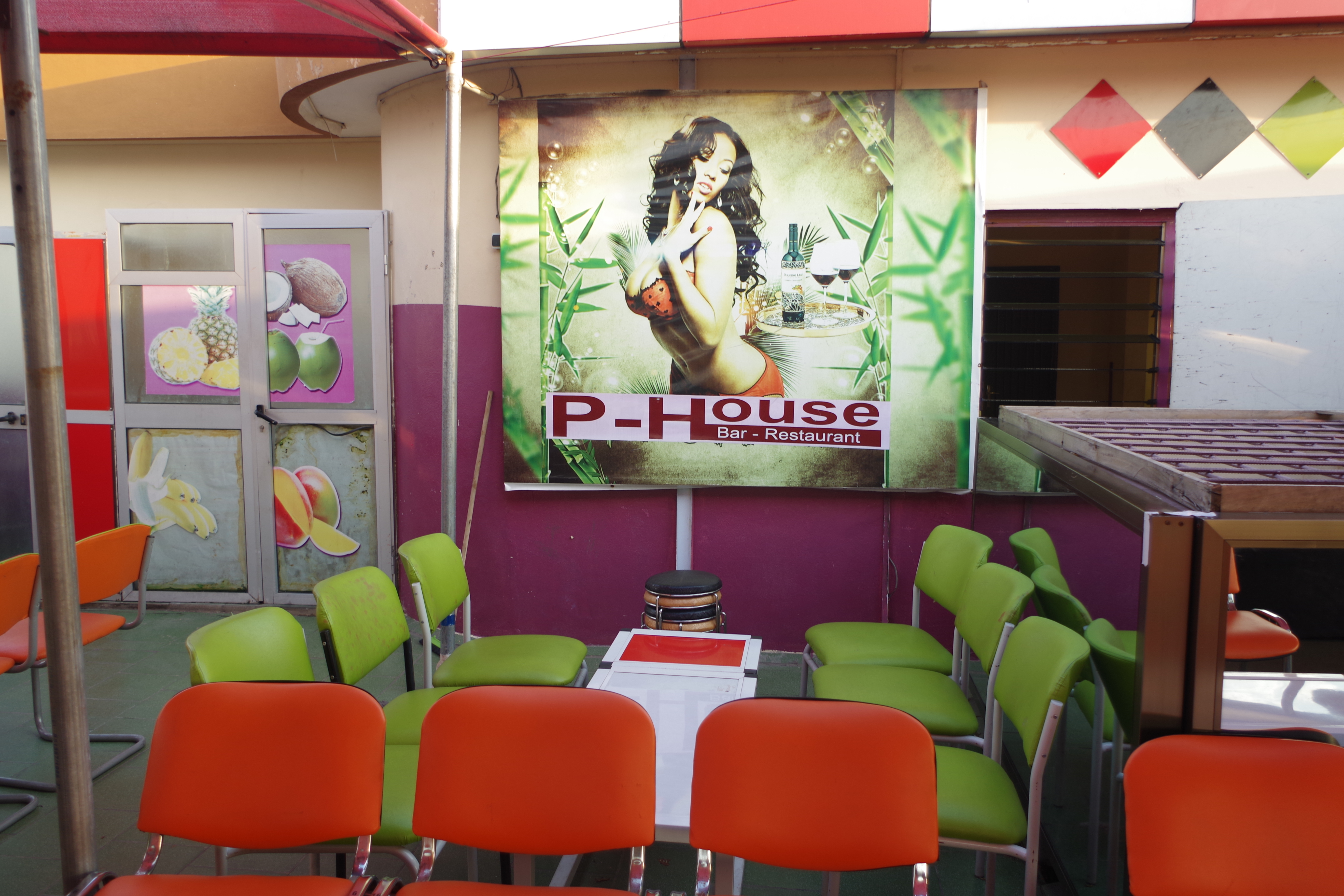 Restaurant Interieur Design.File Interieur D Un Bar Restaurant A Cotonou Benin1 Jpg