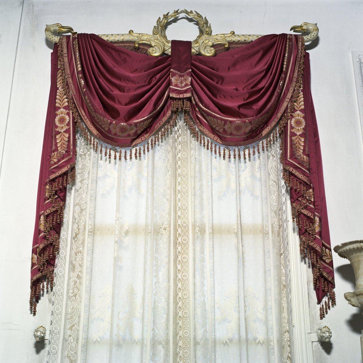 File interieur gordijn in de witte eetzaal gelegen aan for Corps interieur