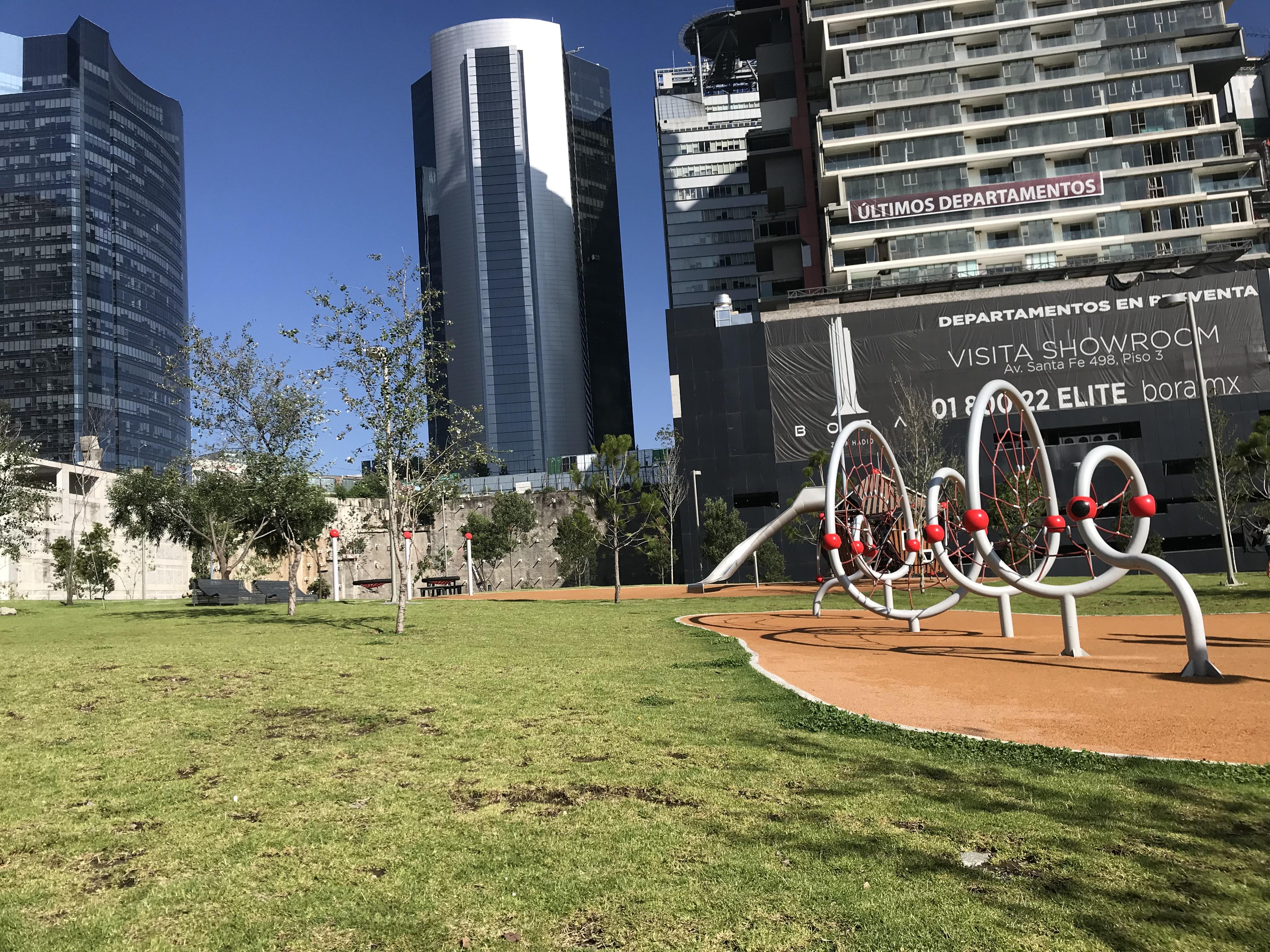 File:Juegos del Jardín Infantil I de Parque La Mexicana.jpg ...