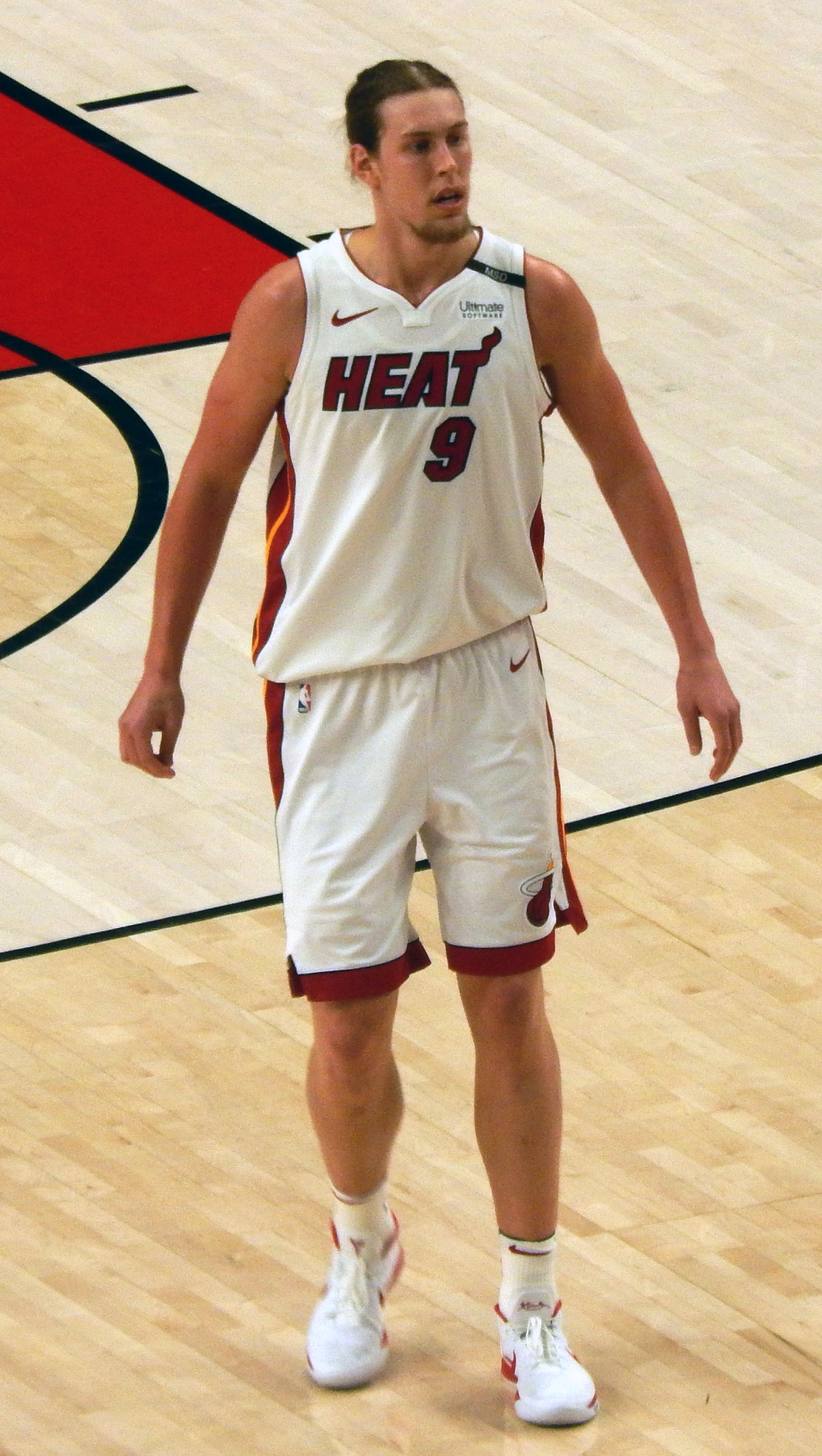 The 27-year old son of father Ken Olynyk and mother Arlene Olynyk Kelly Olynyk in 2018 photo. Kelly Olynyk earned a  million dollar salary - leaving the net worth at 2 million in 2018