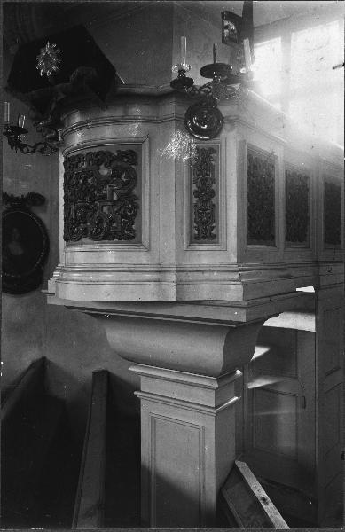 File:Kung Karls kyrka - KMB - 16000200096867.jpg