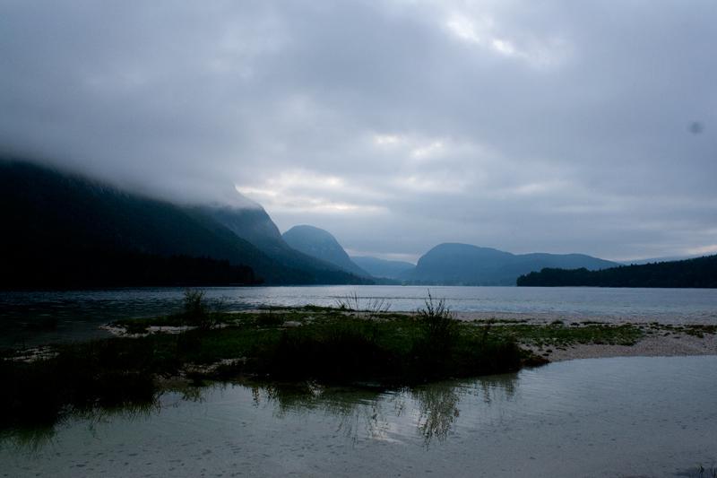 File:Lake-Bohinj dawn (8130385546).jpg