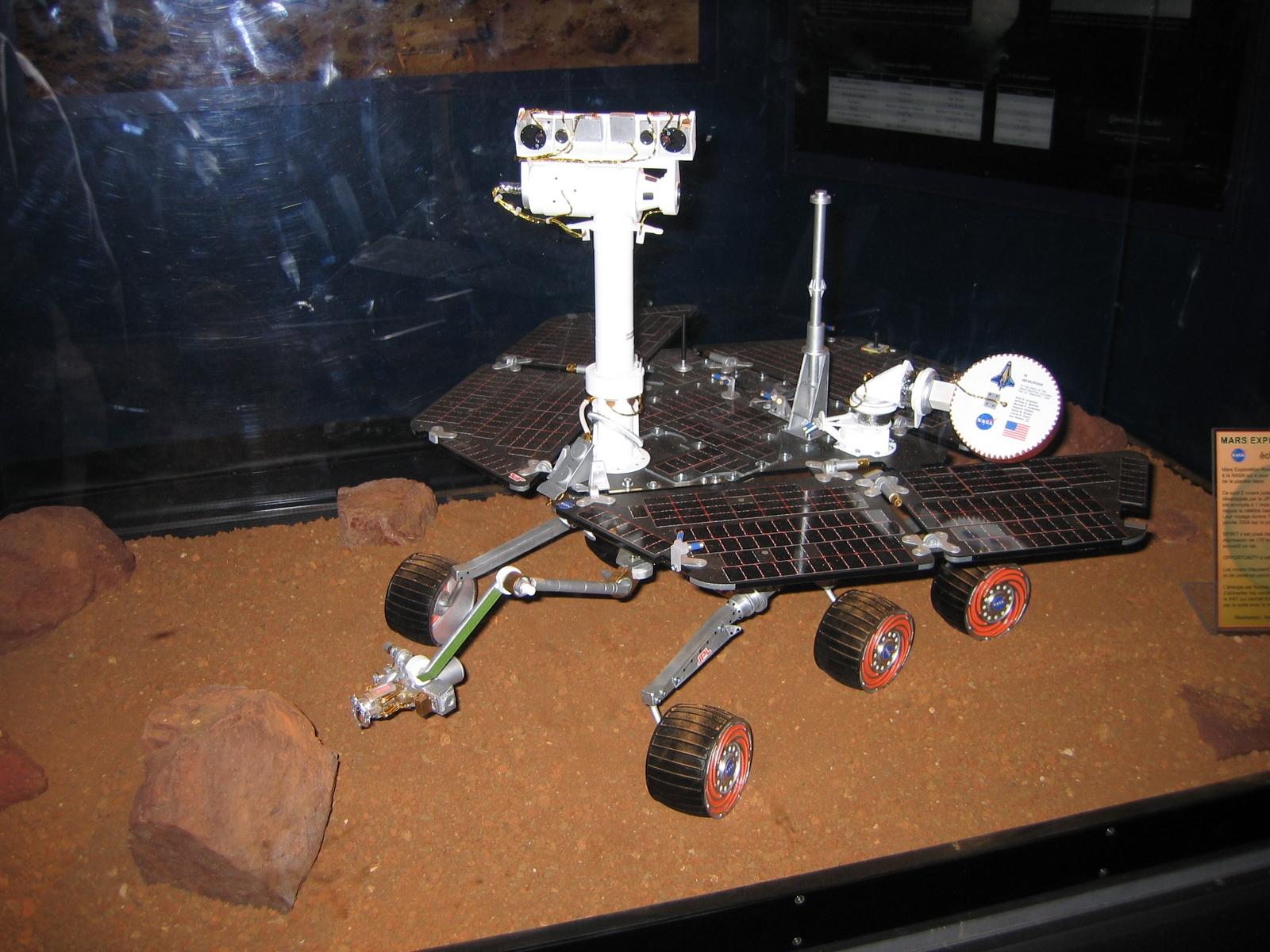 what makes the mars rover and explorer - photo #8