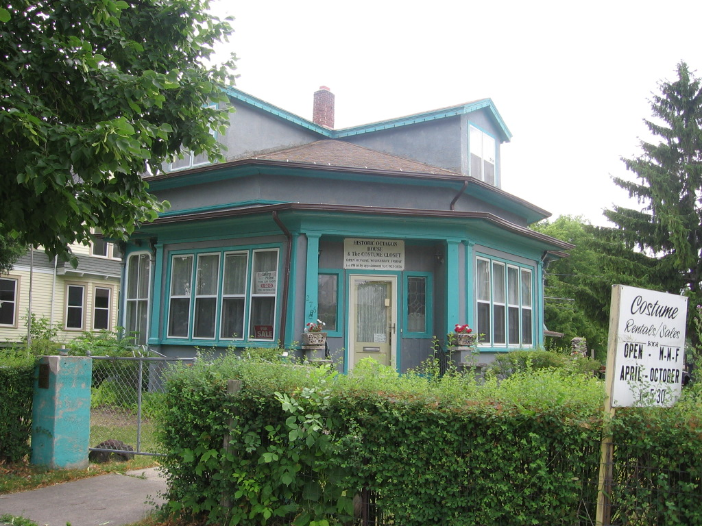 Octagon house fond du lac wisconsin wikipedia - Design homes wi ...