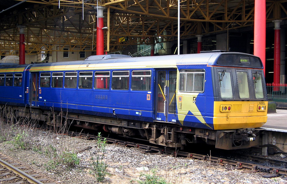 http://upload.wikimedia.org/wikipedia/commons/5/5c/Pacer_at_Manchester_Victoria.jpg