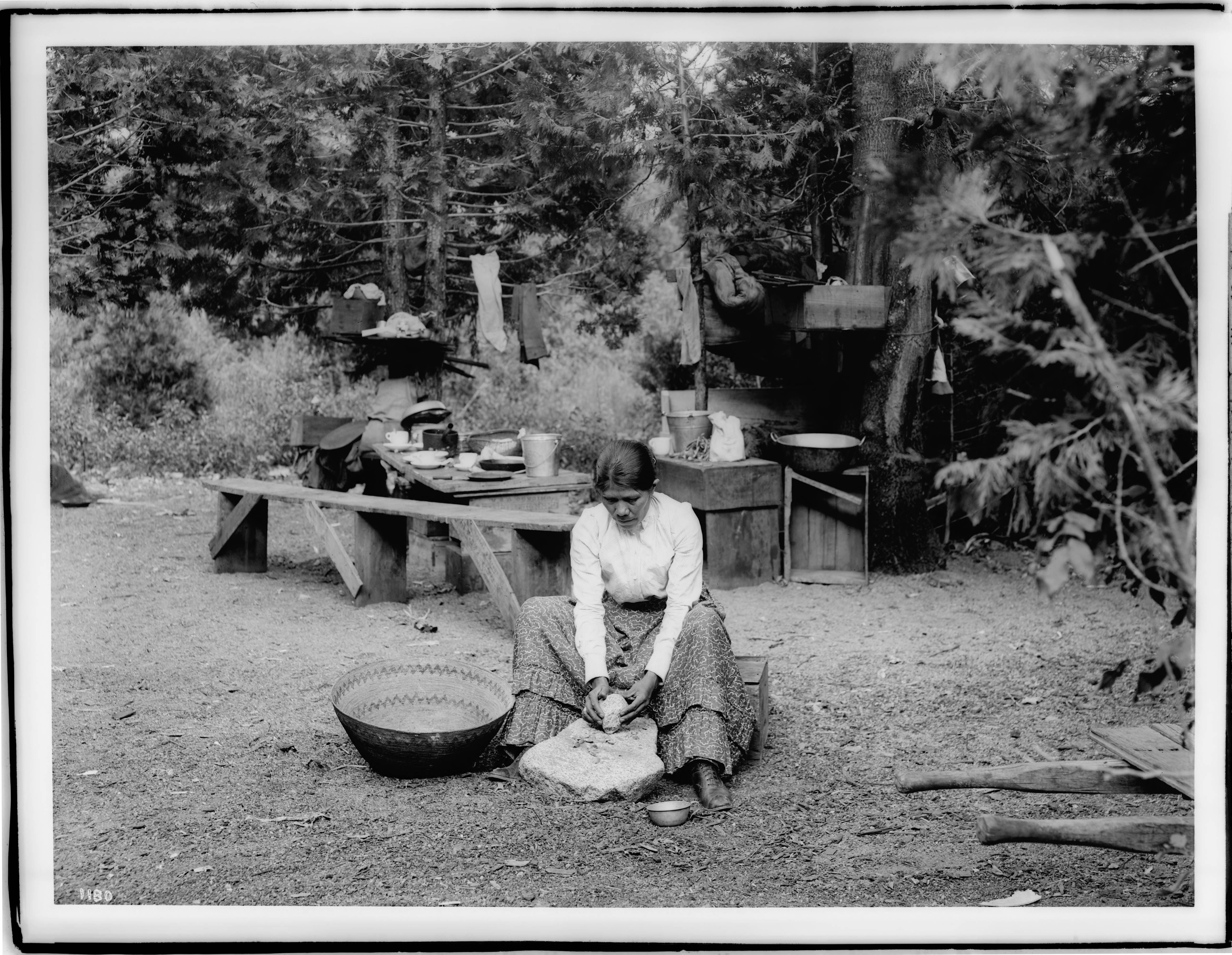 File Paiute Indian Woman Sitting On A Small Wooden Crate