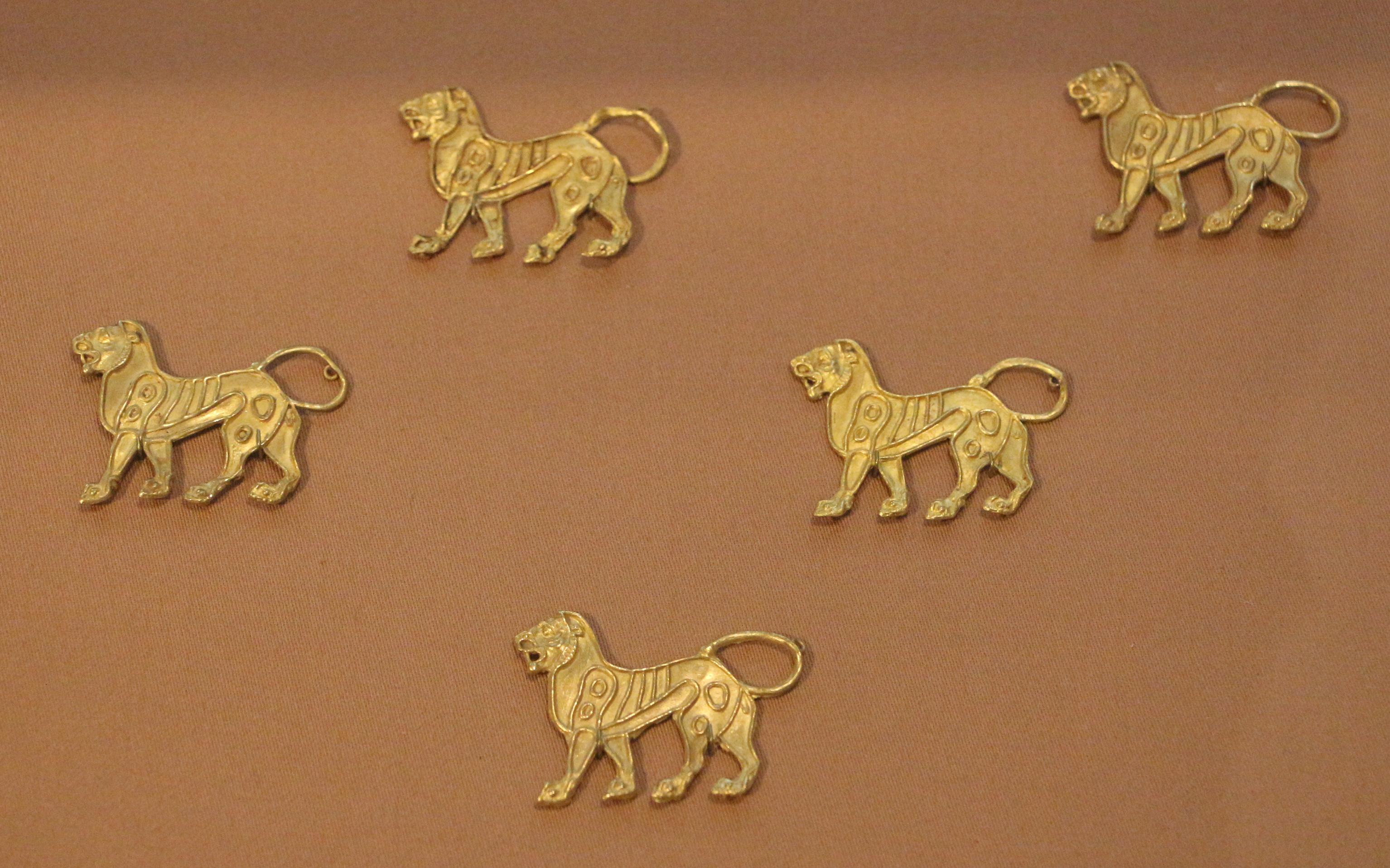 File periodo achemenide applique d oro probabilmente da un