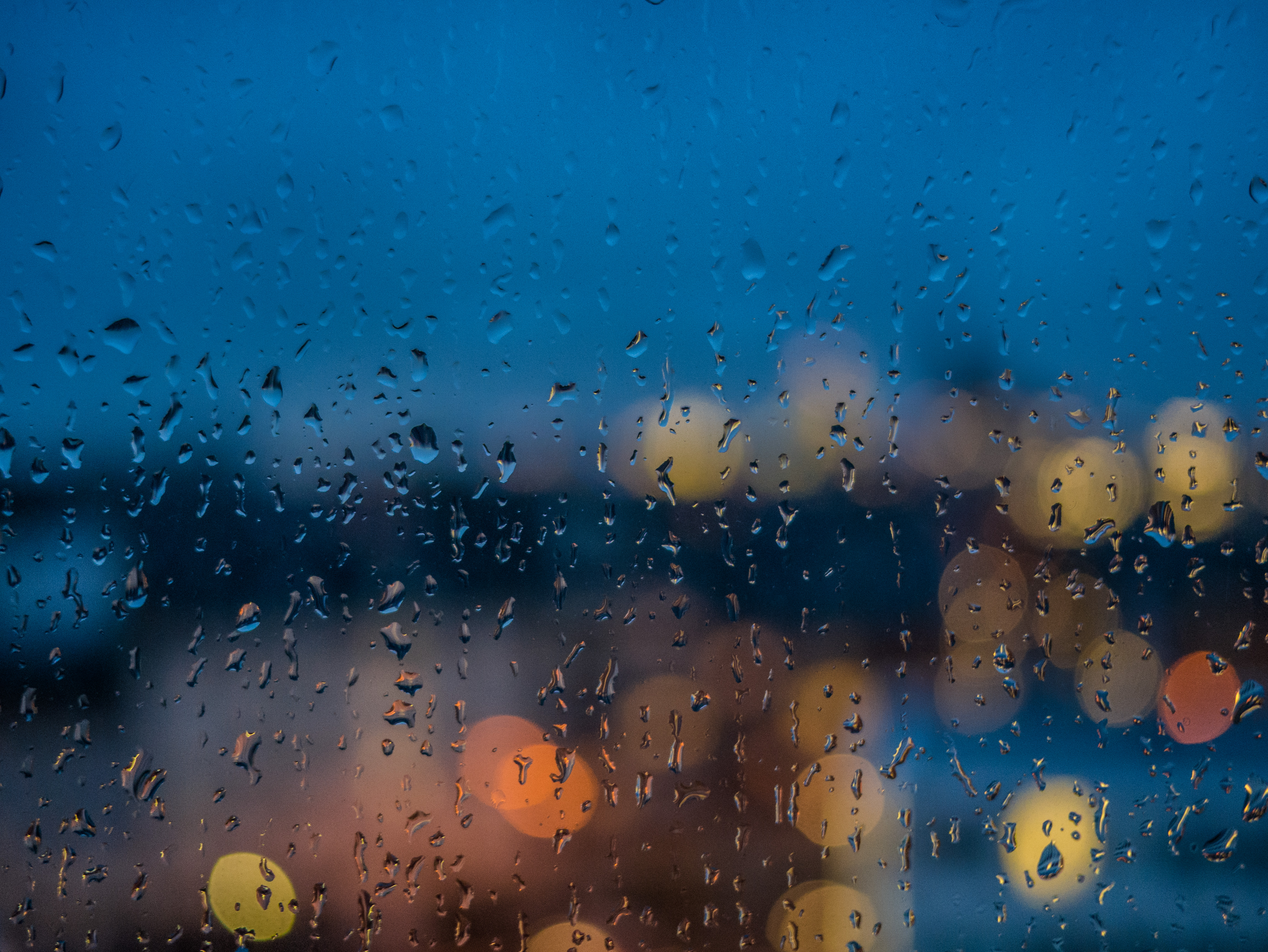 file rain on window pane wikimedia commons. Black Bedroom Furniture Sets. Home Design Ideas