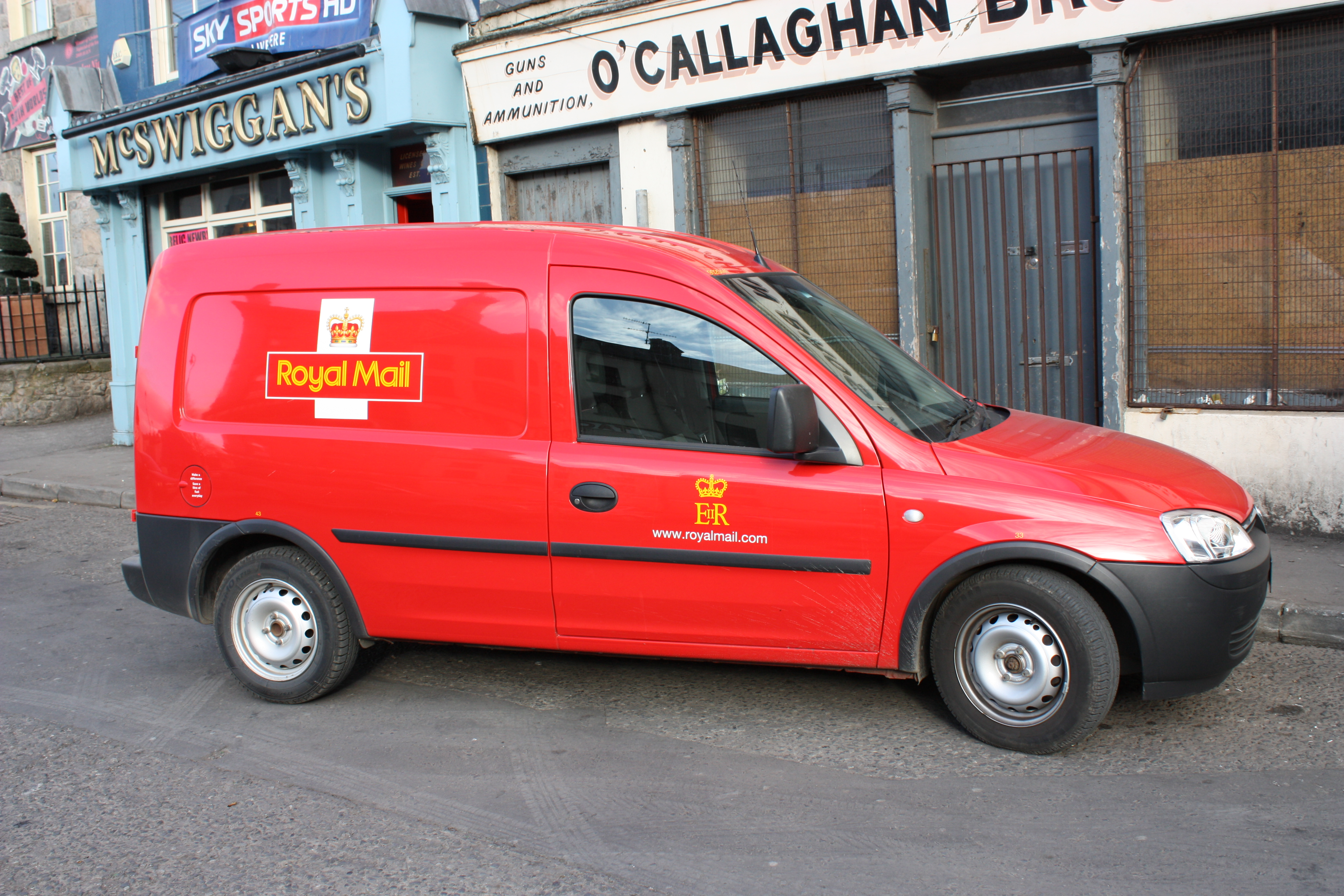 Build A Ford >> File:Royal Mail van, Newry, March 2010.JPG - Wikimedia Commons