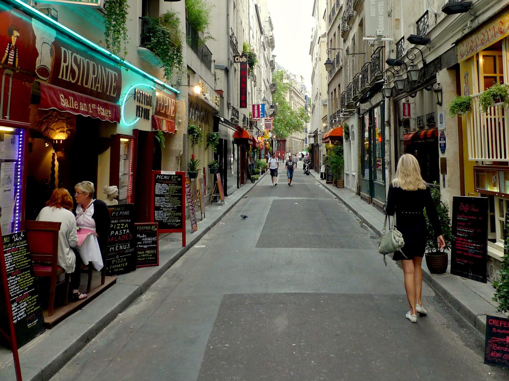 file rue gr goire de tours paris 2010 07 wikimedia commons. Black Bedroom Furniture Sets. Home Design Ideas