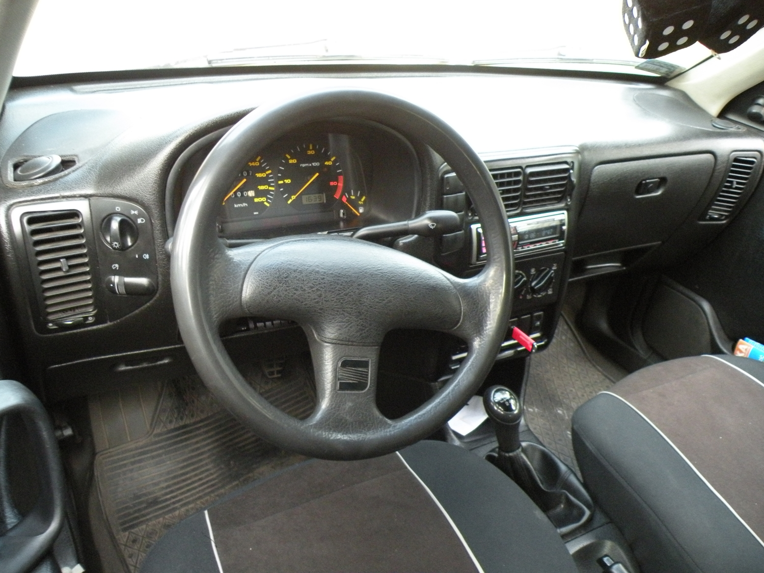 file seat ibiza mk2 pre facelift interior jpg wikimedia. Black Bedroom Furniture Sets. Home Design Ideas