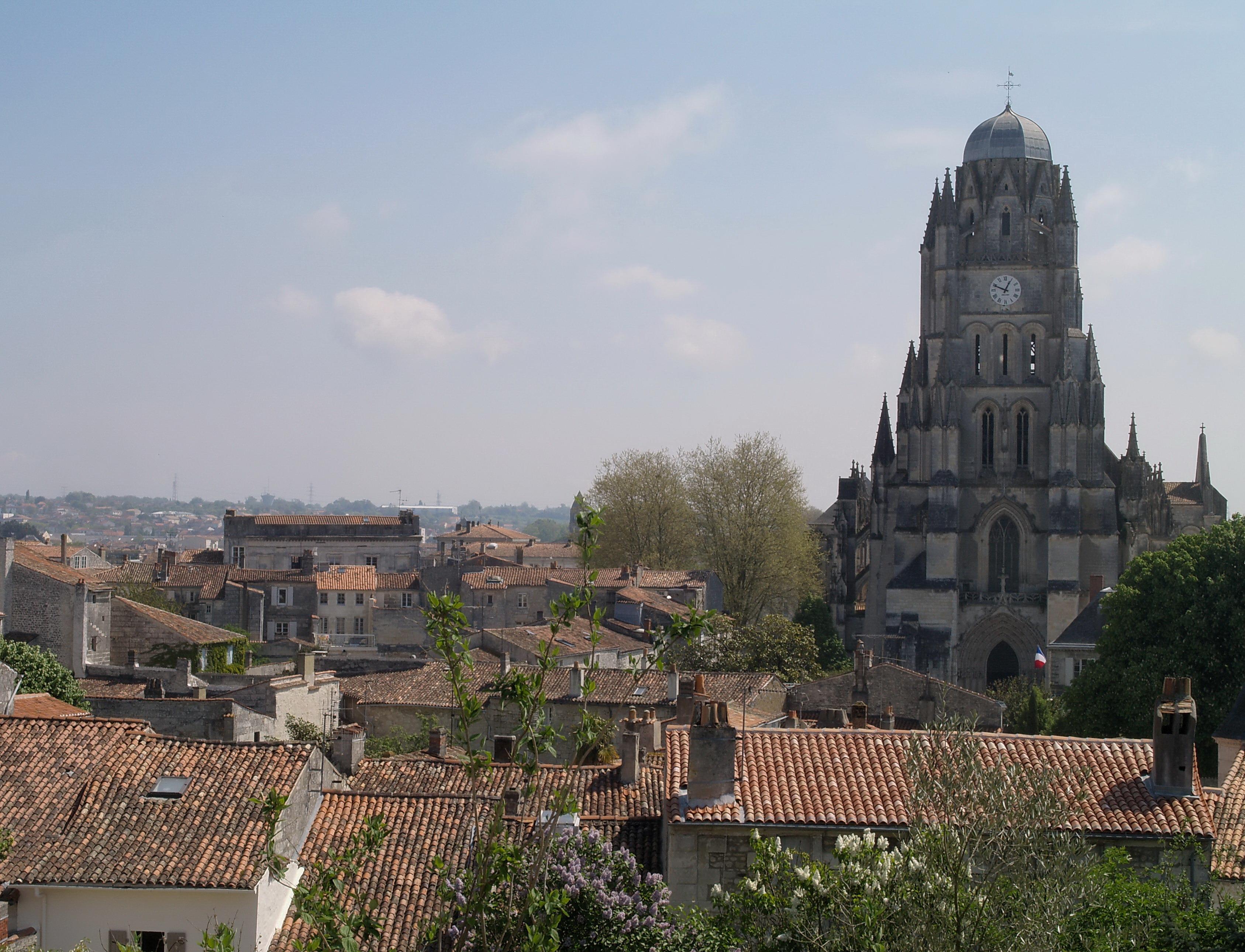 Saintes France  city photo : Infos et horaires des administrations de Saintes