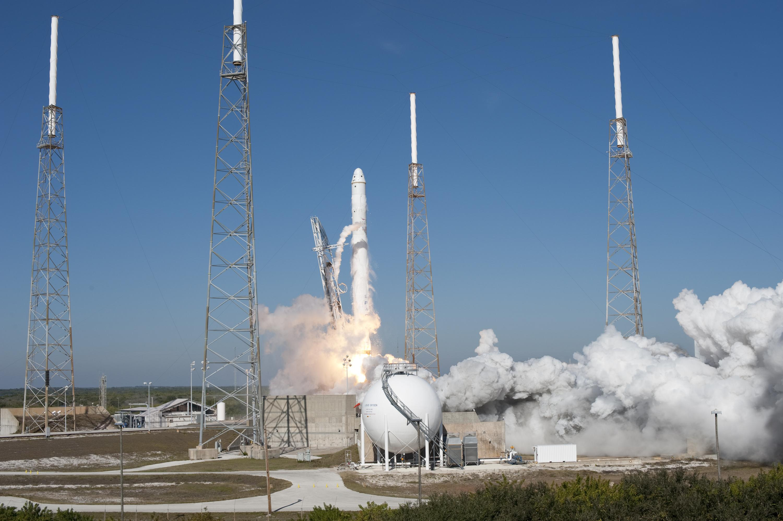 spacex rocket in flight - photo #33