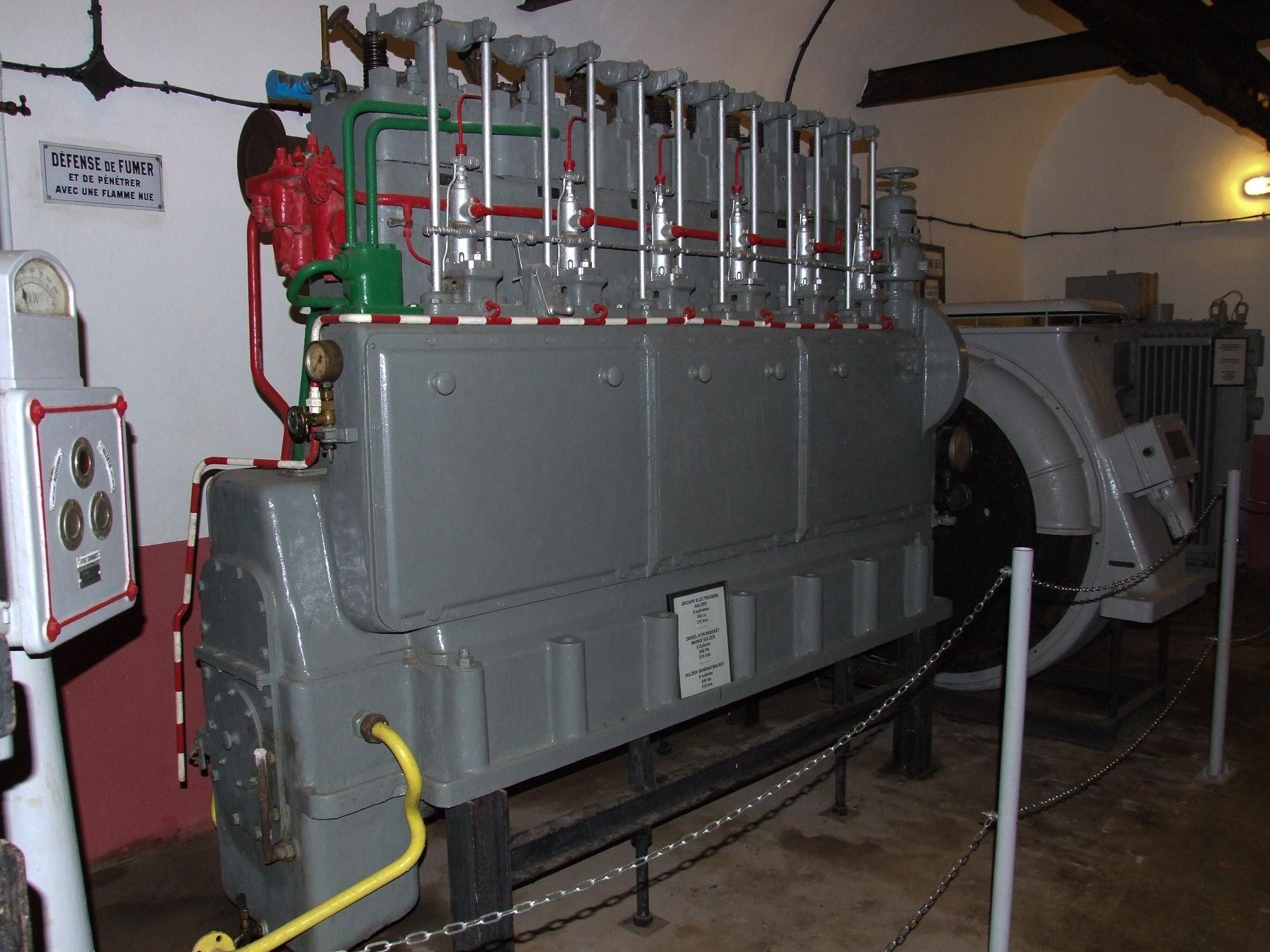 file sulzer 6 zylinder dieselmotor generator fort. Black Bedroom Furniture Sets. Home Design Ideas