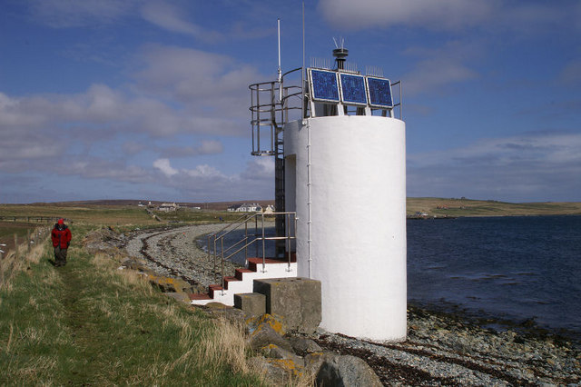 File:Uyeasound light - geograph.org.uk - 779306.jpg