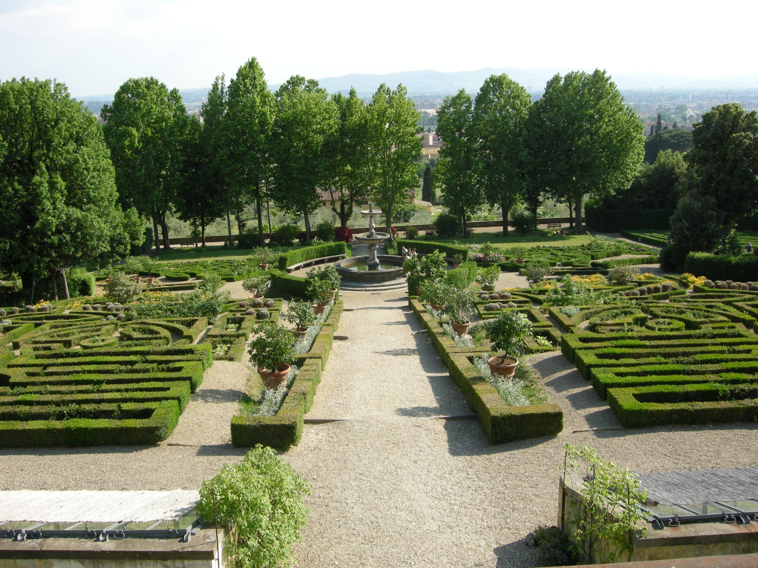 File villa la petraia giardini formali 07 jpg wikimedia for Villa la petraia