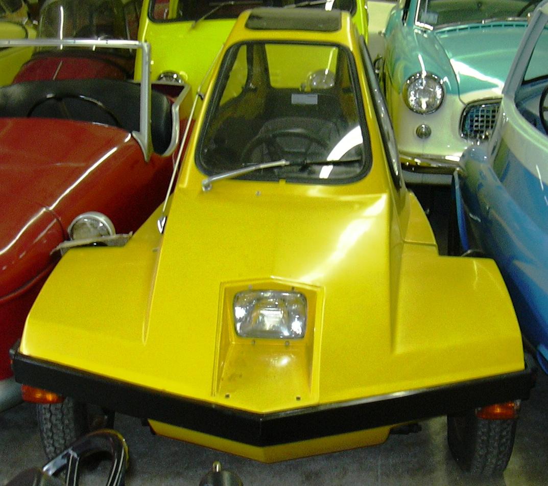 Yellow_HM_Vehicles_FreeWay.jpg