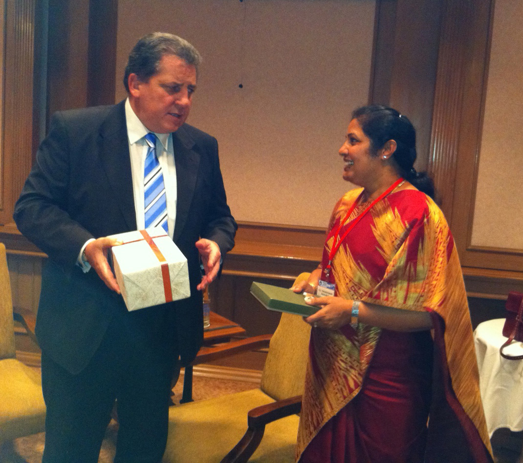 File:(Smt ) D  Purandeswari with the Australian Minister for