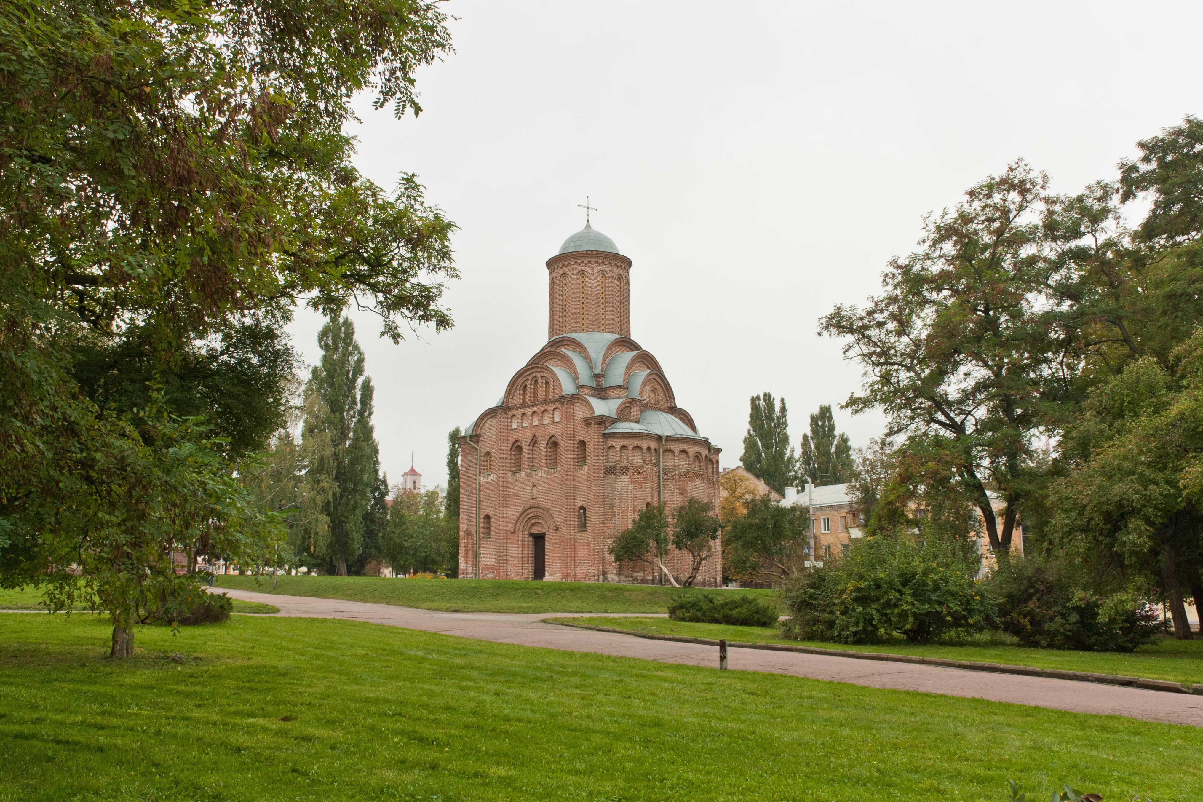 File:П'ятницька церква - Чернігів 5.jpg - Wikimedia Commons