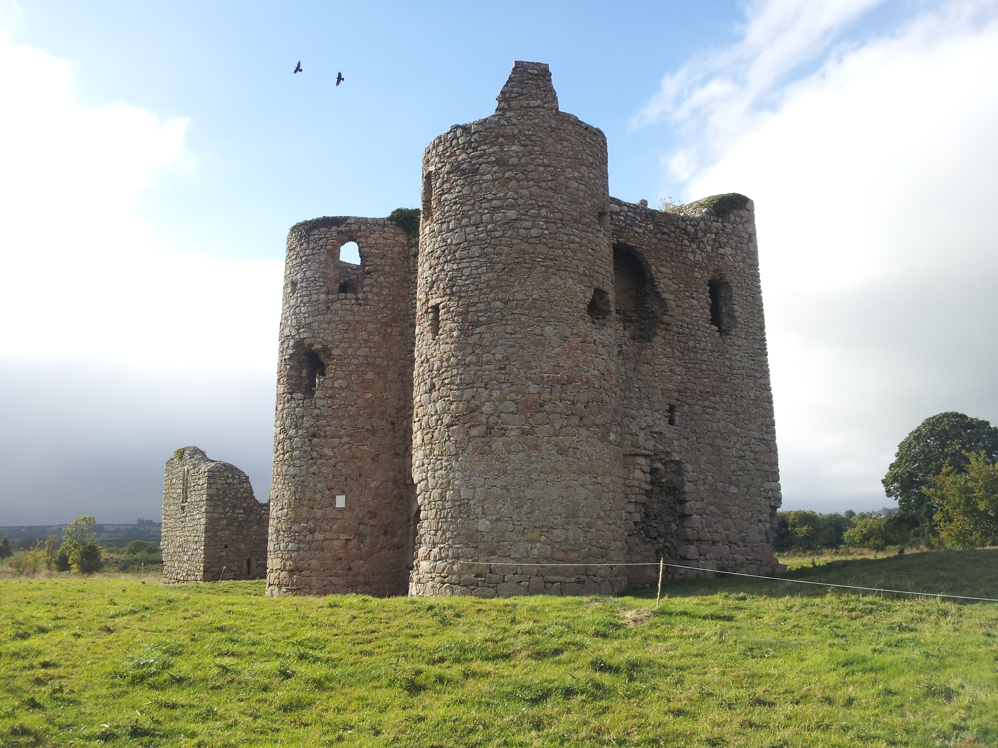 encyclopedia article about castles