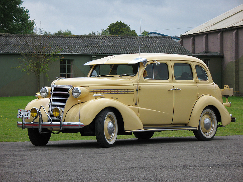 Description 1938 Chevy Master Deluxe.jpg