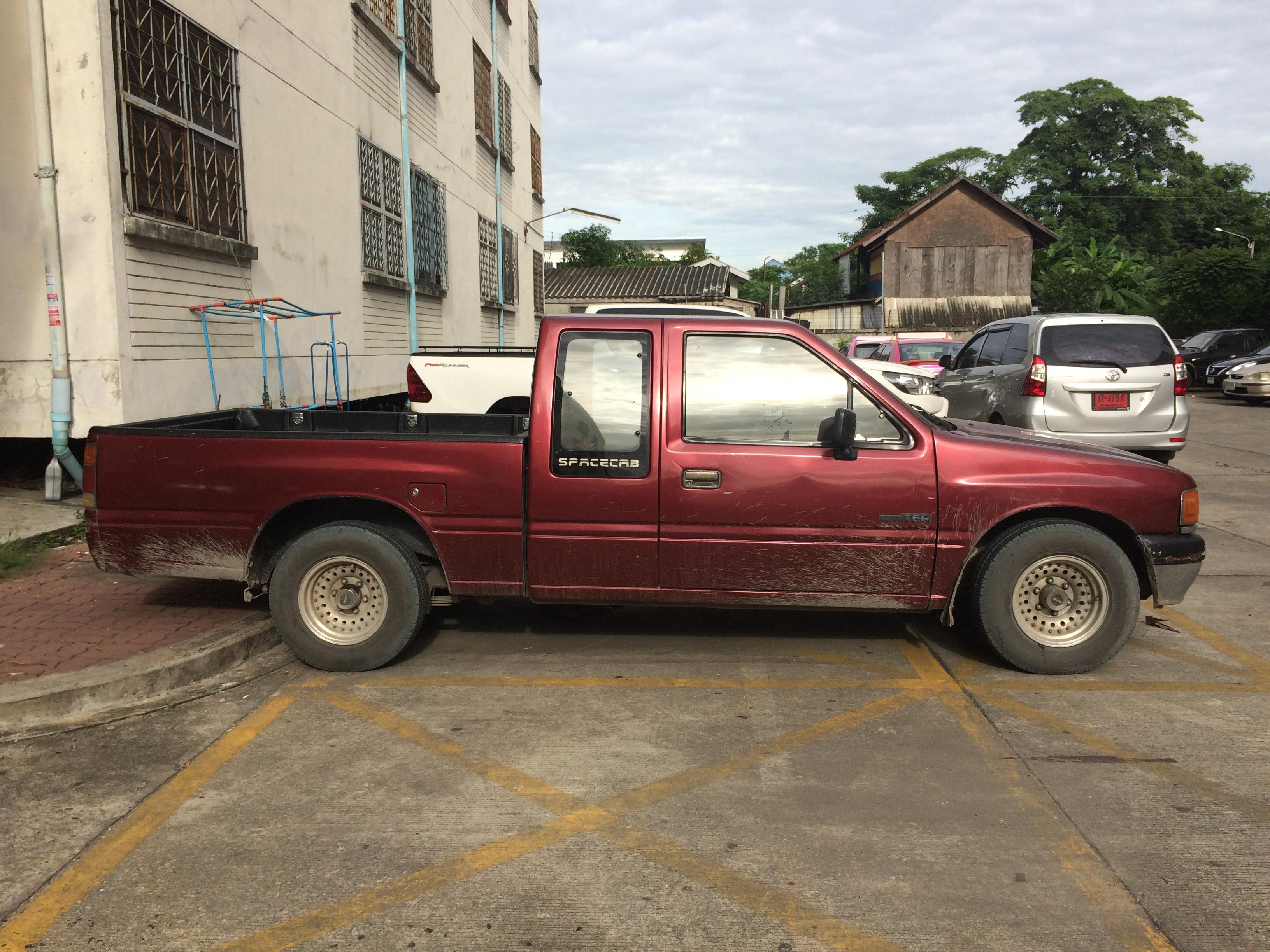 File:1988-1989 Isuzu Faster-Z (TF) Spacecab pickups trucks (19-08