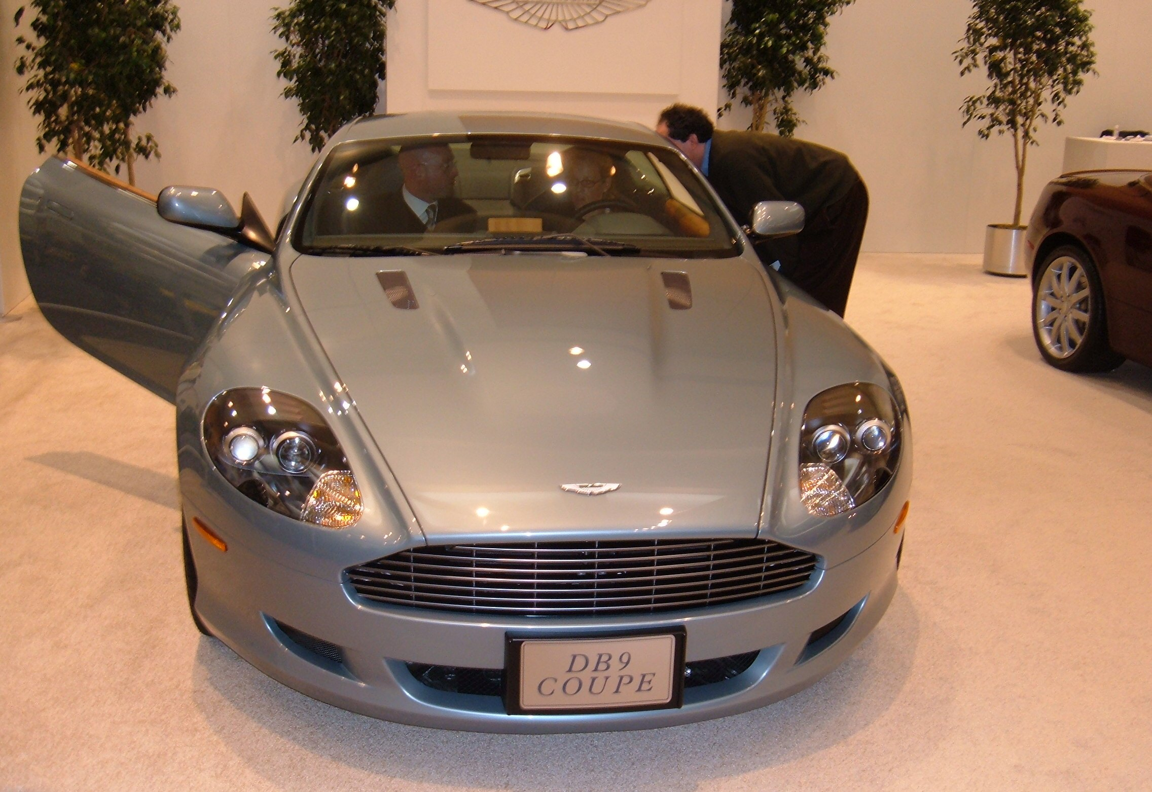 2005+aston+martin+db9+coupe
