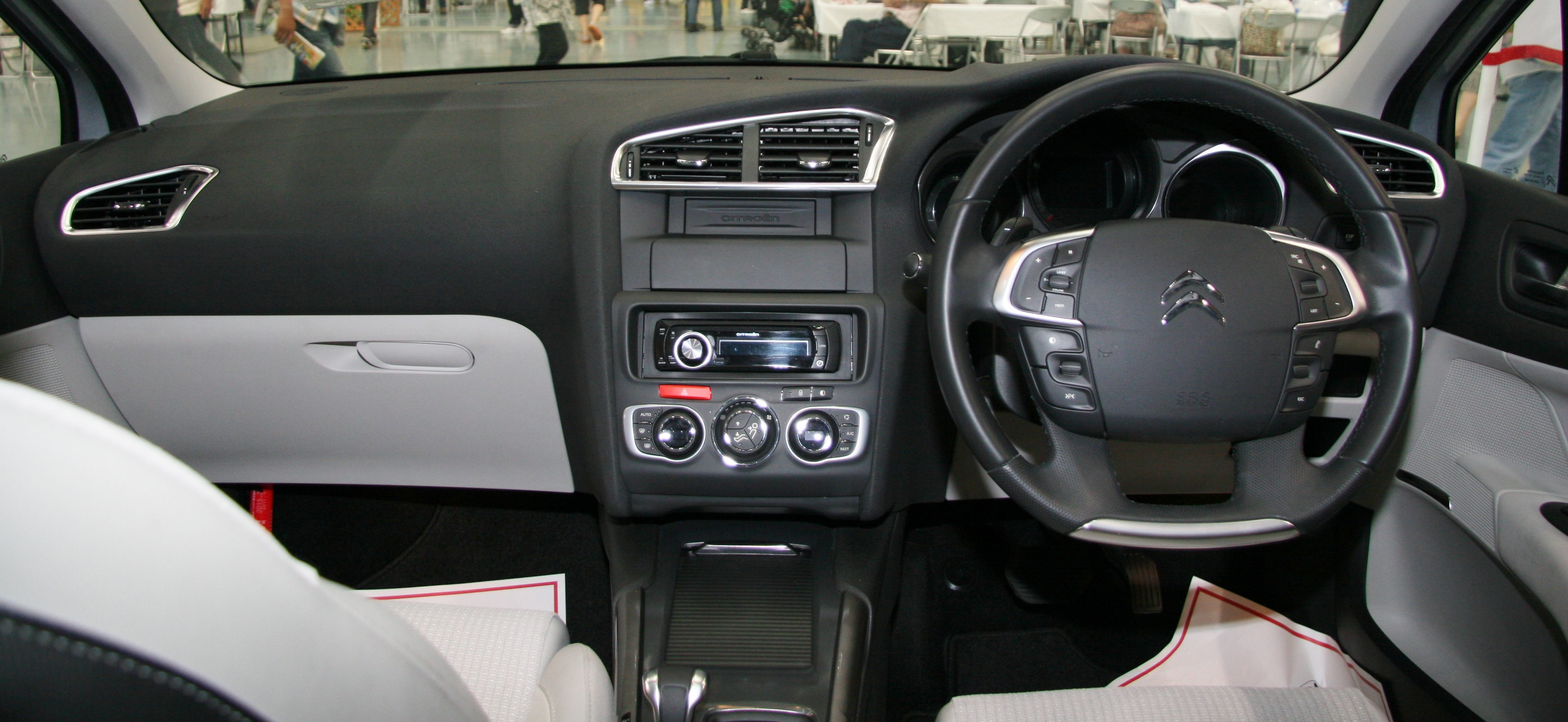 citroen c4 picasso 2012 interior the image kid has it. Black Bedroom Furniture Sets. Home Design Ideas