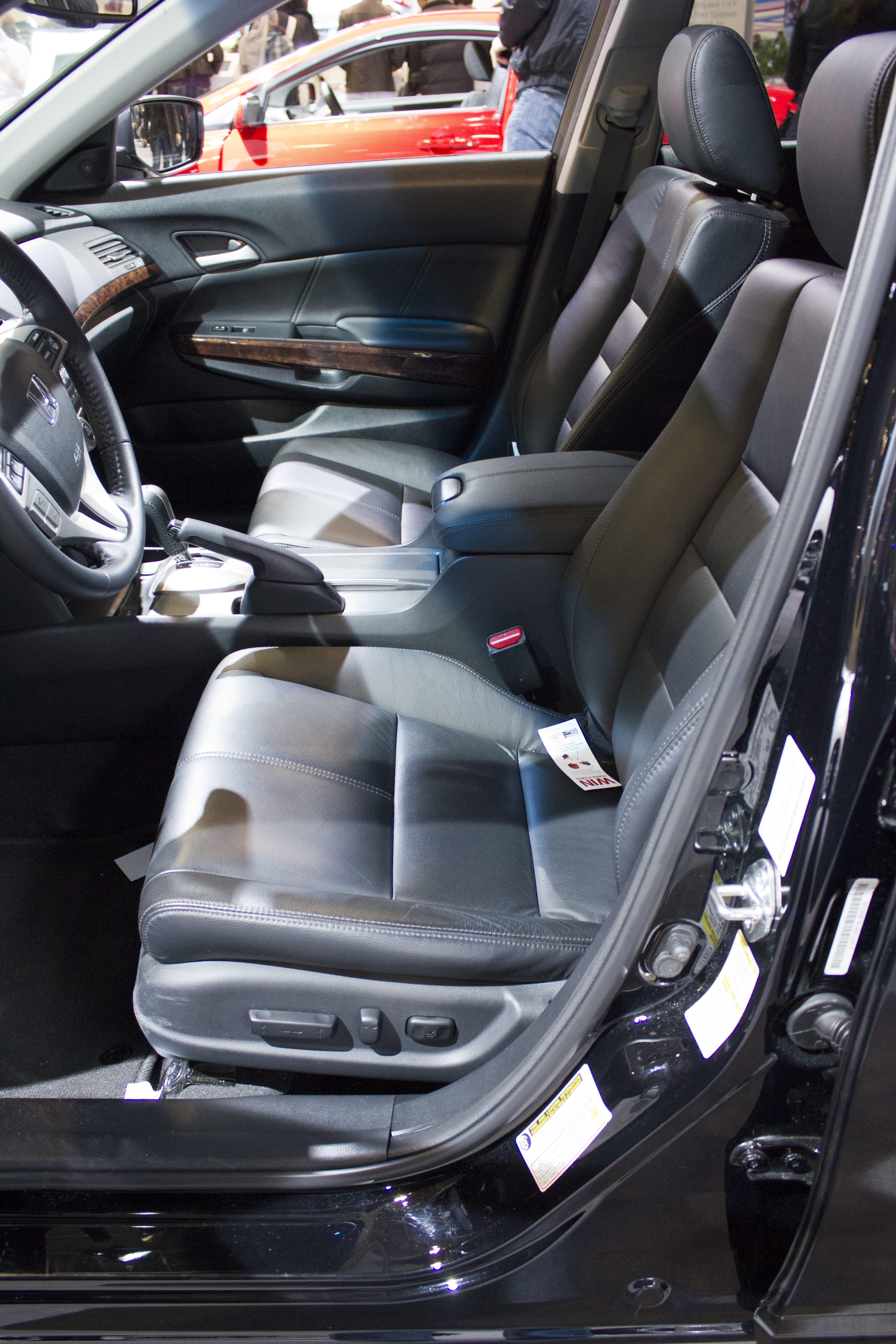 blog automatic allow ebay and control switches audio crosstour is review ex occupants l motors honda includes interior of the climate separate temperature sides system to display both divided on