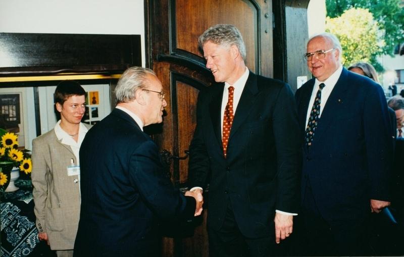 27 ClintonKohl Bachhaus.jpg