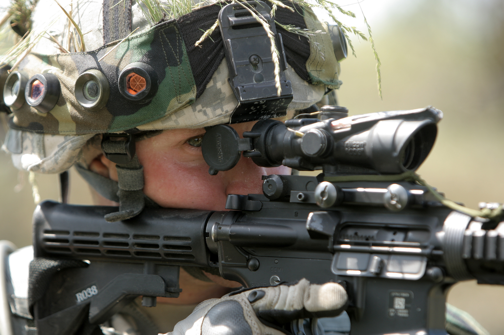 File:A U.S. Soldier with the Pennsylvania Army National Guard ...