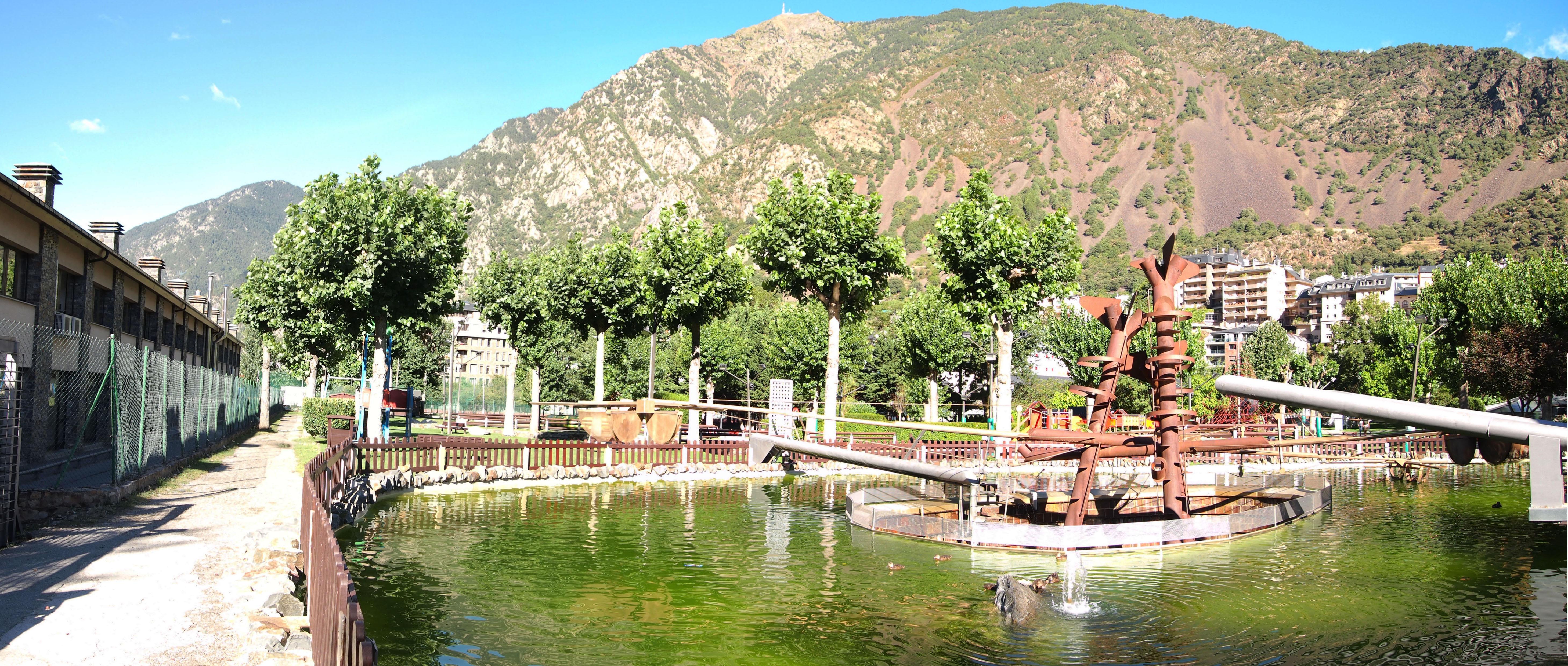 File Andorra La Vella Parc Central Jpg Wikimedia Commons