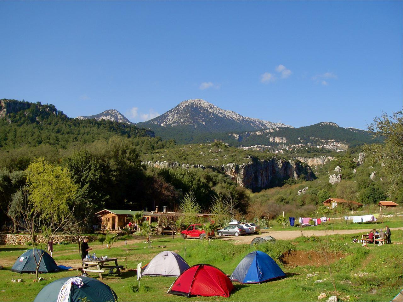 File:Antalya, Geyikbayiri, Camp JoSITo - panoramio - gertrudis2010.jpg -  Wikimedia Commons