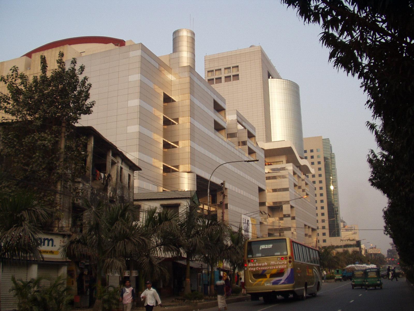 Good business hotel - Radisson Blu Dhaka Water Garden