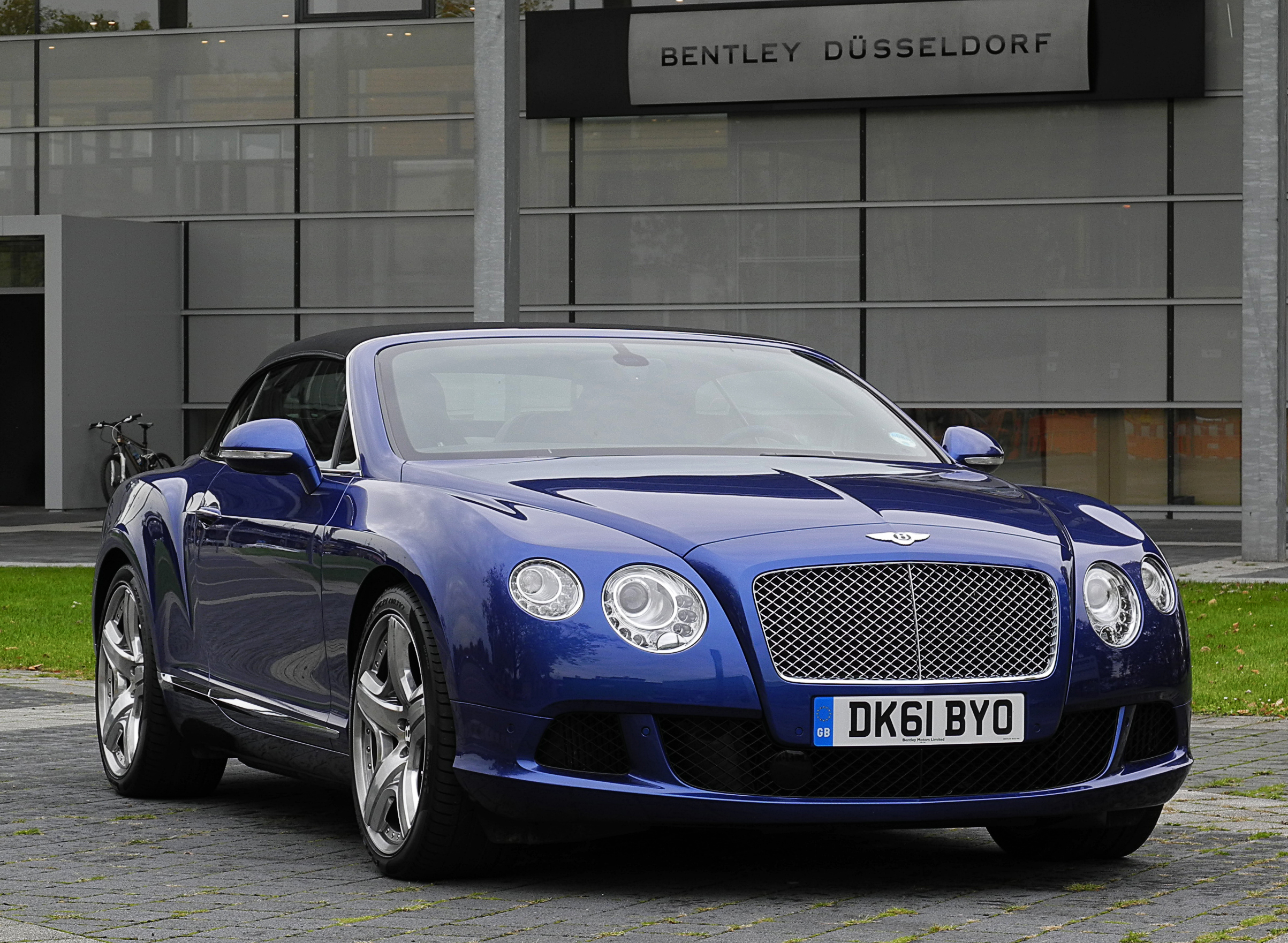 file bentley continental gtc ii frontansicht 1 25. Black Bedroom Furniture Sets. Home Design Ideas