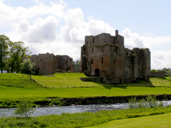 File:Brougham Castle from the north east.jpg
